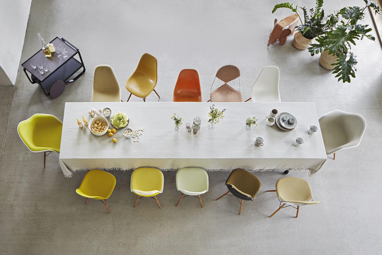 Eames Plastic Side Chair DSW Stuhl Vitra Ahorn schwarz-Rostorange