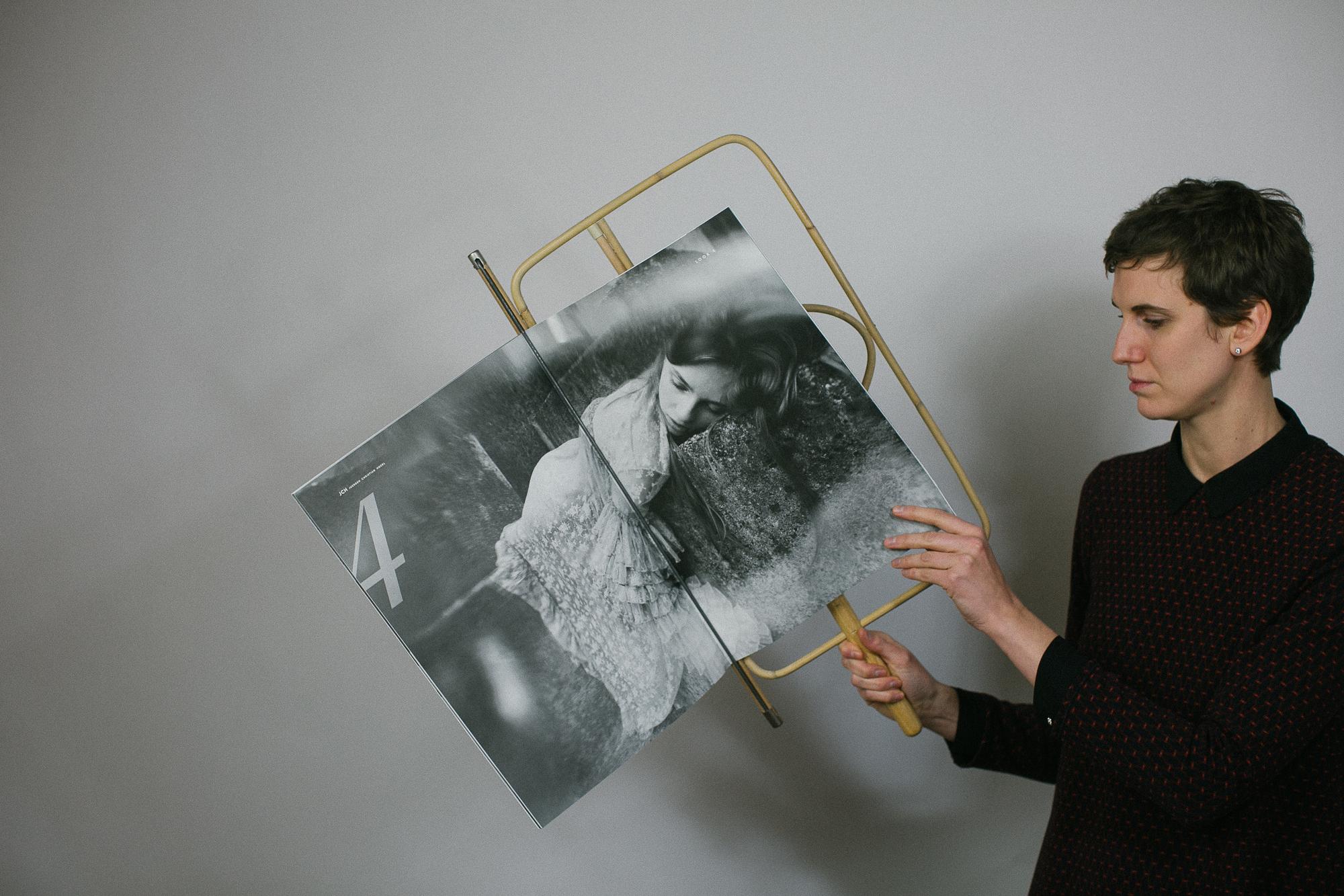 Wiener Zeitungshalter Thomas Poganitsch Natur 60 cm