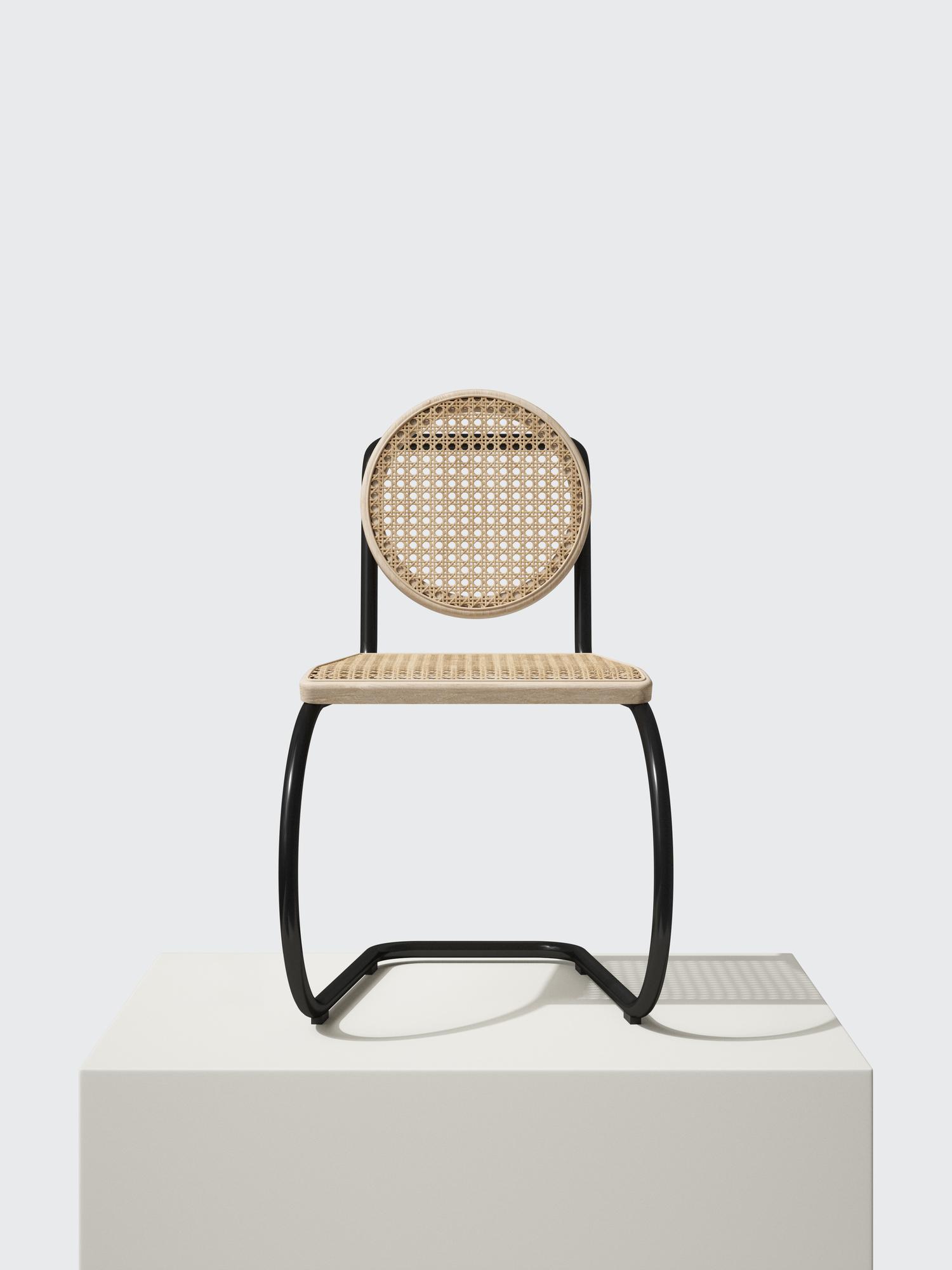 He & She Chair Freischwinger Mater HE