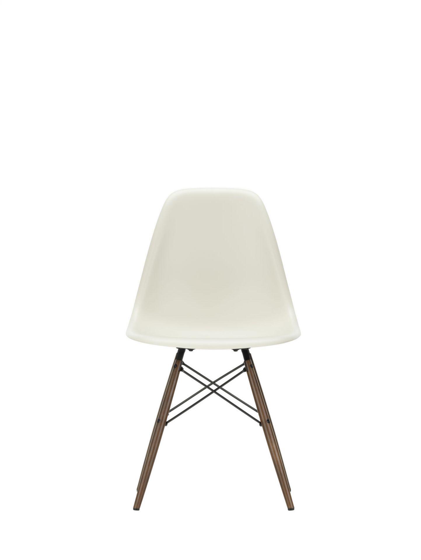 Eames Plastic Side Chair DSW Stuhl Vitra Esche honigfarben-Rostorange