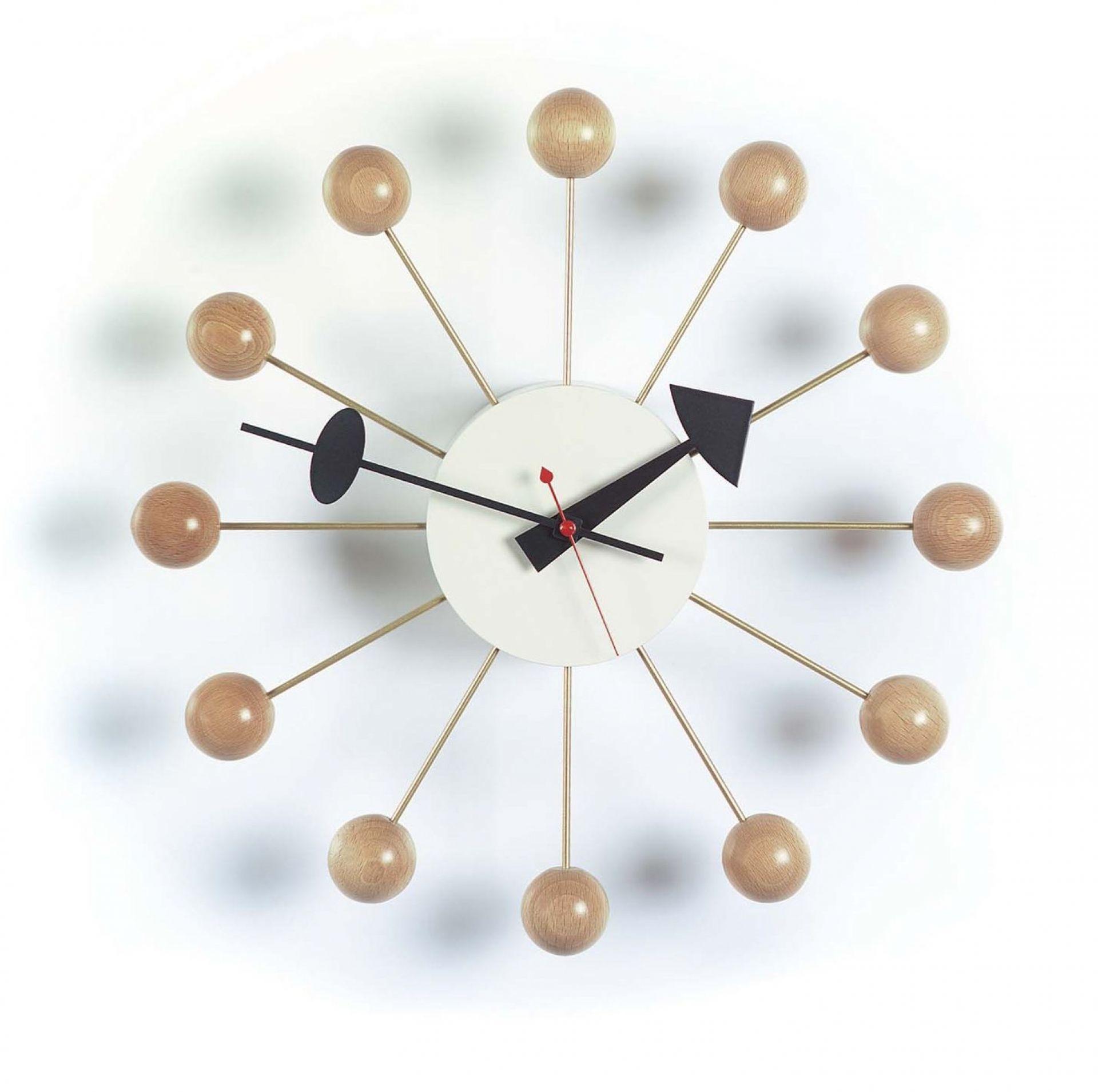 Ball Clock Wanduhr Buche natur Vitra