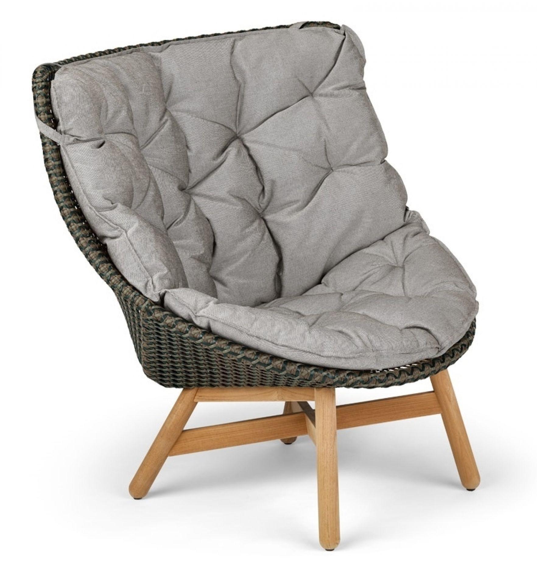 Mbrace wing chair Hochlehner pepper Dedon
