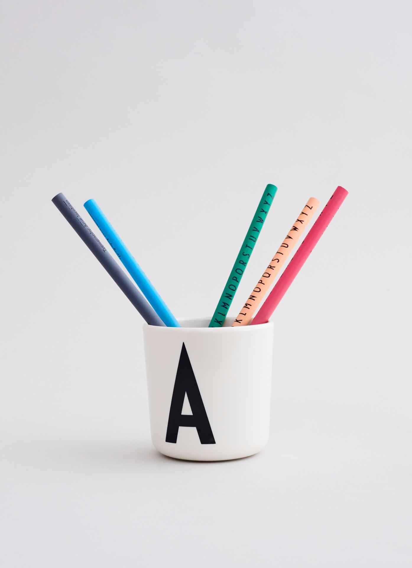 Buchstabenbecher für Kinder Melamin Design Letters I