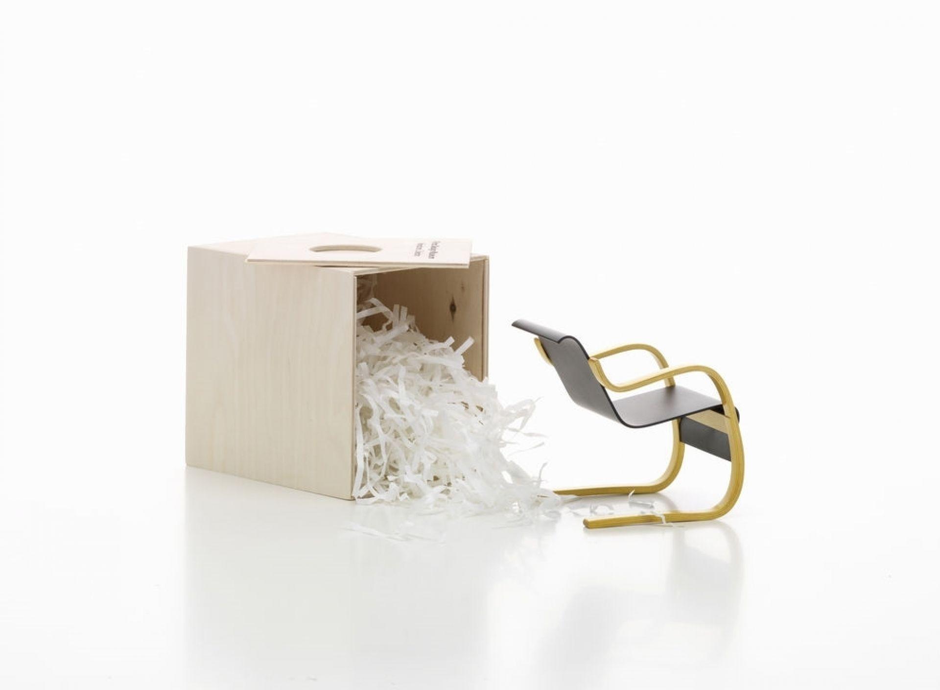 Armchair Nr. 42 Miniatur Sessel Vitra