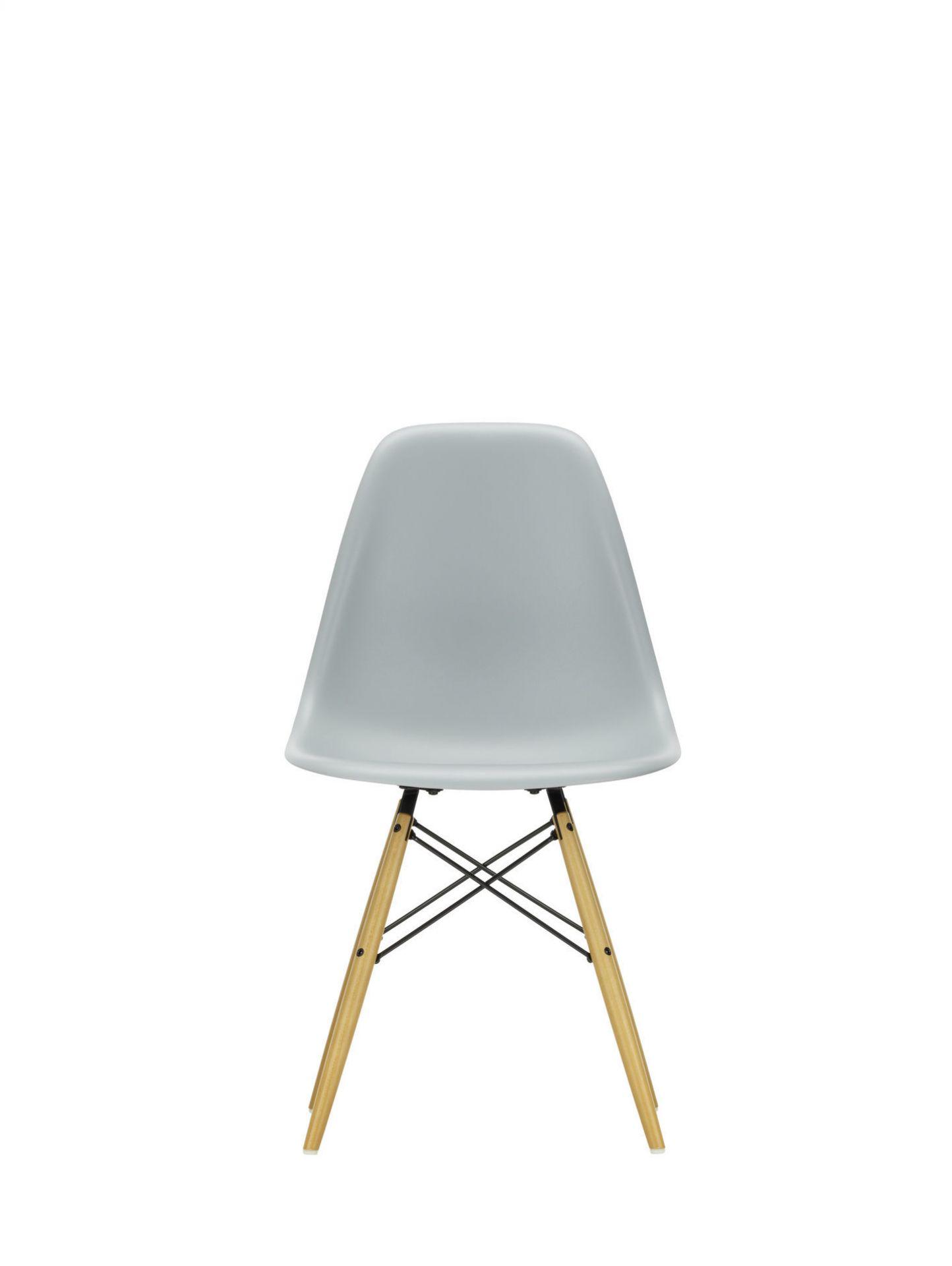 Eames Plastic Side Chair DSW Stuhl Vitra Esche honigfarben-Weiss