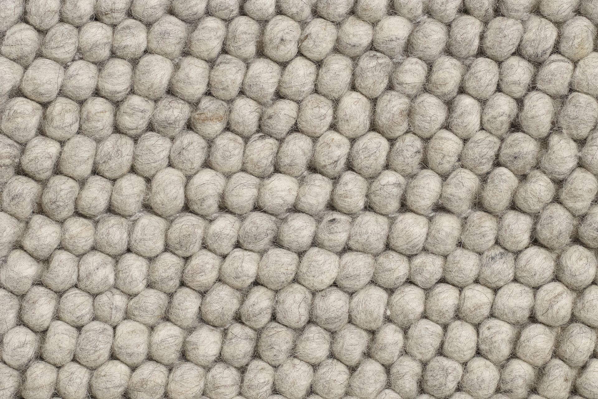 Peas Teppich L 140 cm Soft grau Hay