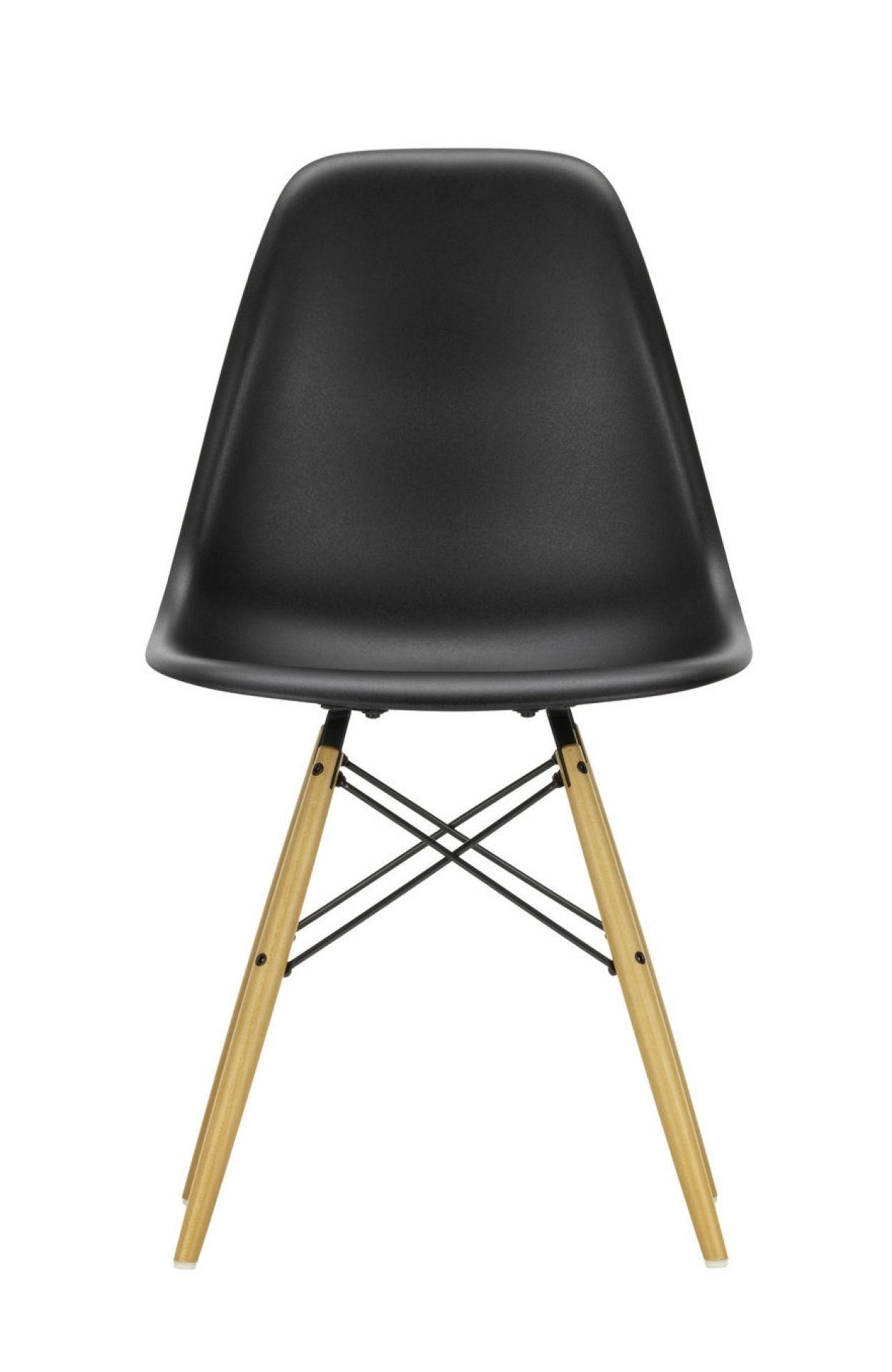 Eames Plastic Side Chair DSW Stuhl Vitra Esche honigfarben-Zartrosa