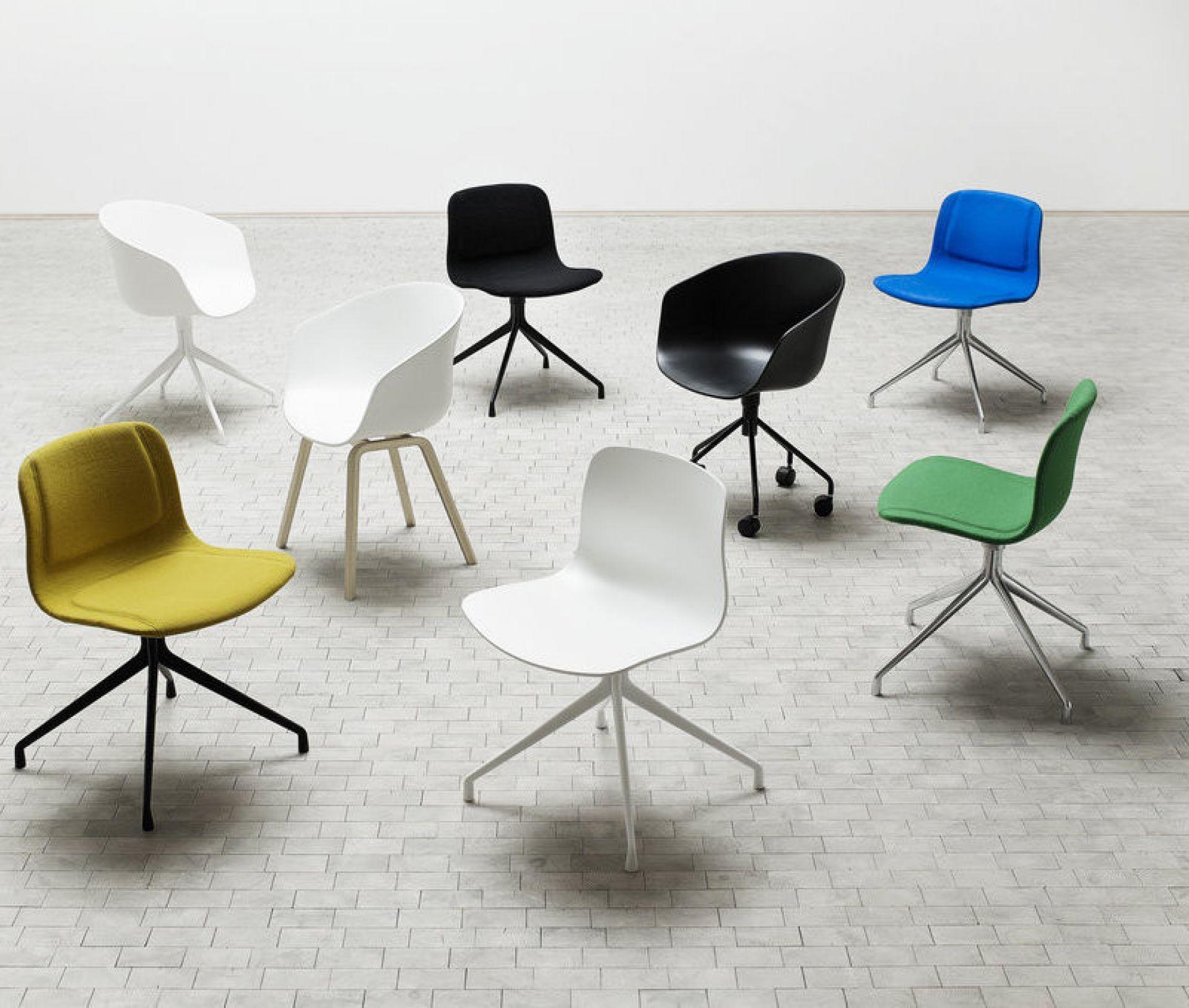 About A Chair AAC10 / AAC 10 Stuhl Weiss Aluminium schwarz pulverbeschichtet Hay